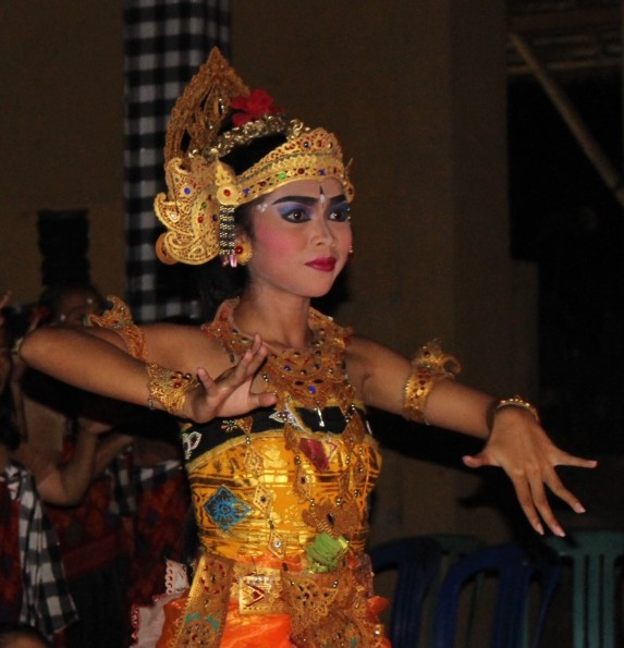 Indo Bali Dancer