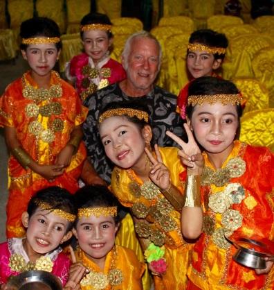 INDO Selayar Tim and Girls