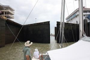 Panama Miraflores Down BIG
