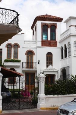 Panama Whitehouse BIG