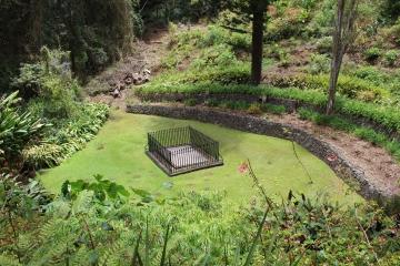 South Atlantic St Helena Tomb2